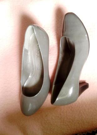 Серые лакированные кожзам туфли, 34р-р.4 фото