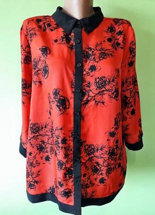 Красная блуза в цветочный принт черные розы