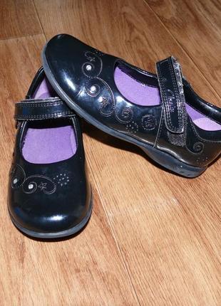 Туфли clarks на девочку размер 9(17см)