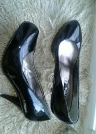 Лакированные чёрные туфли, 39р-р.