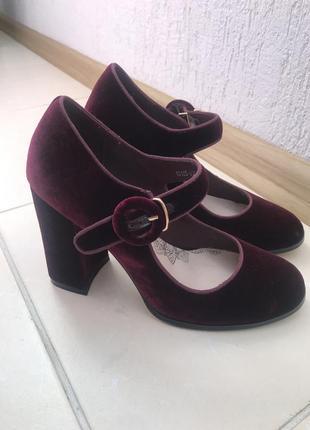 Трендові велюрові туфлі stella marco  нові!