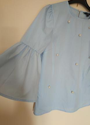 Блуза с бусинами и широкими рукавами р.s