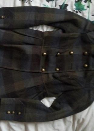 Модное клетчатое пальто