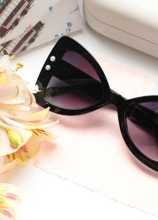 Стильные очки с жемчугом