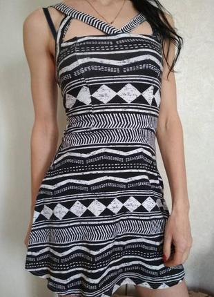 Хорошенькое платье
