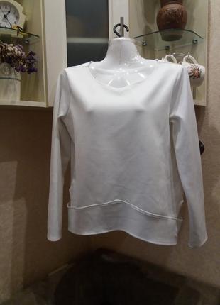 Стильный фактурный свитшот -бренд- zara-10\12h с вырезами по бокам