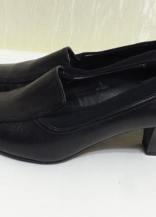 Туфли с натуральной кожи footglove , р.38 удобный каблук