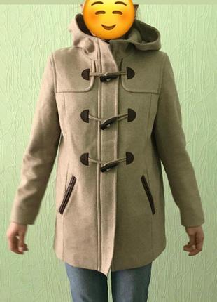 Демисезонное пальто ostin в очень хорошем состоянии
