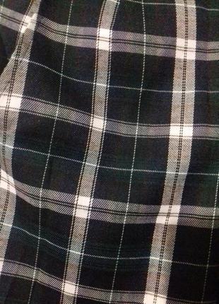 Стильные и модные брюки в клетку7 фото