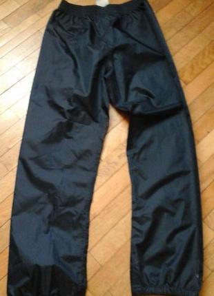 Спортивные штаны фирмы quechua