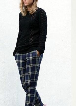 Стильные и модные брюки в клетку