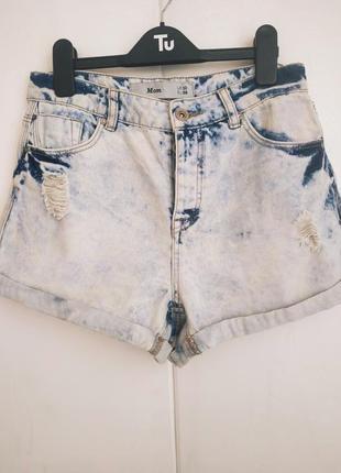 Модные джинсовые шорты new look mom потертым эффектом и разрывами