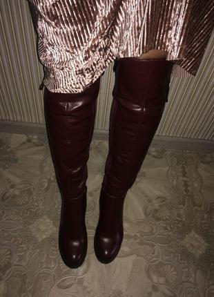 Бордовые сапоги ботфорты на широком каблуке кожаные