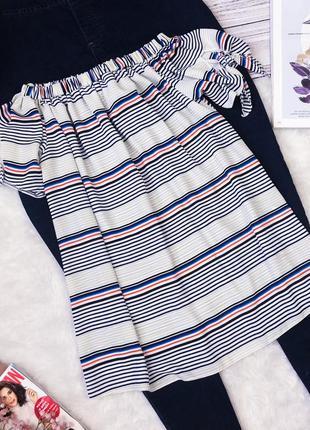 Стильная блуза на плечи в полоску