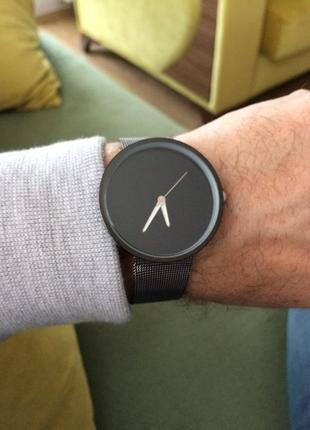 Крутые часы с черным циферблатом