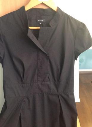 Продаю чёрное платье (цвет насыщенный чёрный -фото искажает цвет)