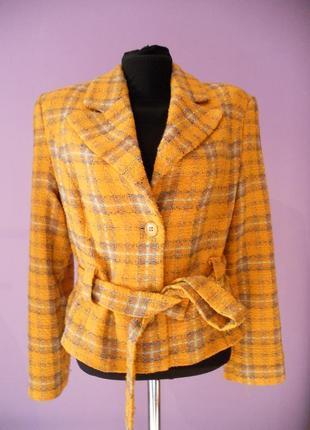 Весенний костюм пиджак/шорты