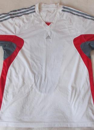 Спортивная футболка1 фото