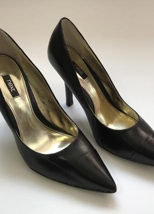 Черные кожаные туфли лодочки на среднем каблуке от next размер 38 размер.