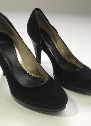 Черные туфли лодочки на каблуке от oasis размер 38.