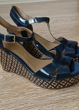 Босоножки сандалии на платформе кожаные clarks размер 40