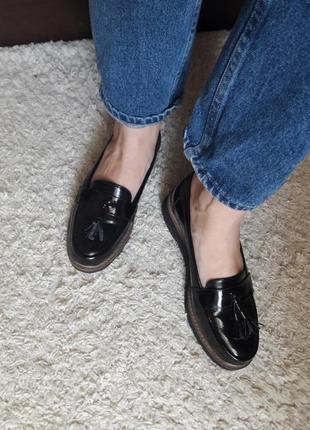 Туфли лоферы лаковые