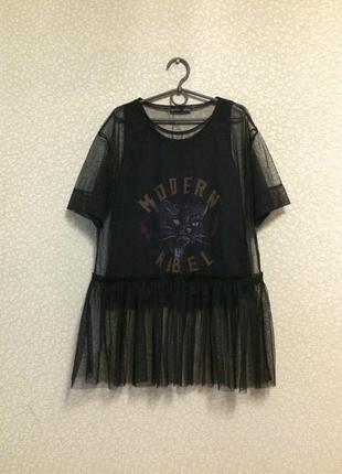 Трендова блузка-сітка з воланом від zara