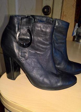 Ботинки черные кожаные деми..