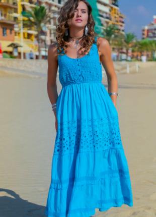 Летнее платье сарафан из хлопка цвета лазури с кружевом