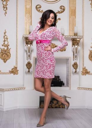 Роскошное кружевное платье из богатого выбитого кружева! платье с брошью!