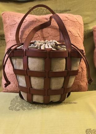 Номерная кожаная французкая сумочка la  valle'e