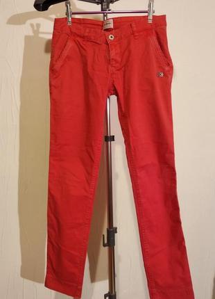 Яркие женские брюки pepe jeans
