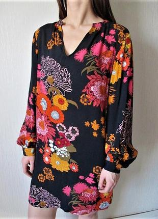 Цветочное платье свободного силуэта