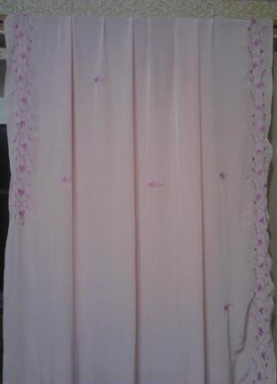 Вишитий цветочний узор на нежно-розовой тюле длинна 6 м ширина 1,13 м