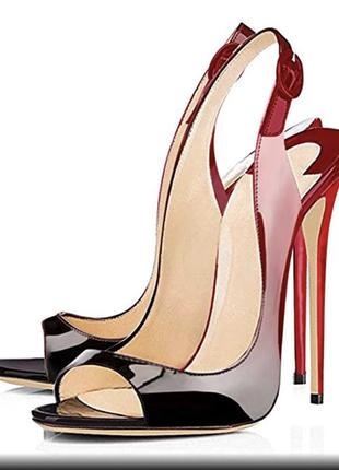 Суперэффектные босоножки на высоком каблуке