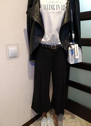 Крутые брюки кюлоты бриджи черные брэндовые yessica