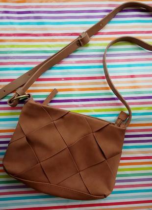 Супер красива сумочка з довгою ручкою