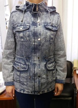 Джинсовая куртка-ветровка