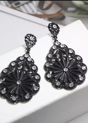 Серьги богемный стиль черные цветок