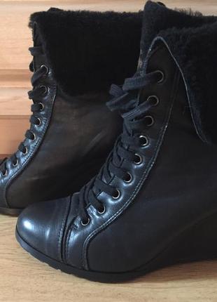 Стильные кожаные ботинки на танкетке размер 36-37