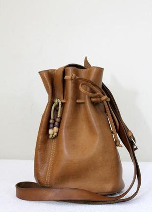 Кожаная сумка-ведро бохо стиль