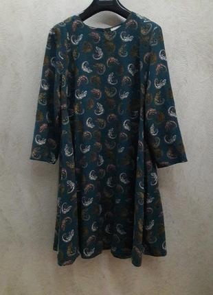 Изумрудное платье  в принт от  h&m