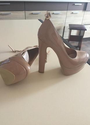 Туфли лаковые1 фото