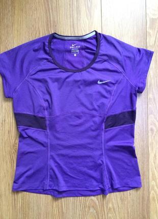 Nike, продам спортивную футболку