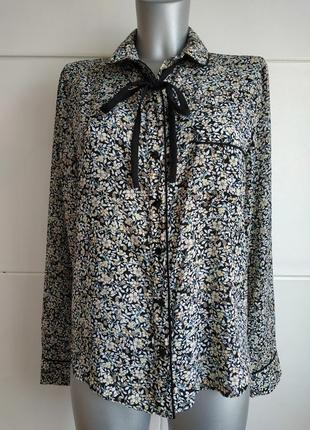 Стильная блуза atmosphere с принтом красивых цветов и завязками