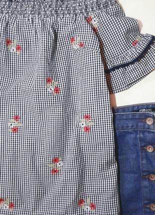 Красивая хлопковая блузка с вышивкой