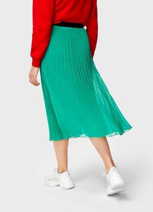 Зеленая юбка миди плиссе2 фото