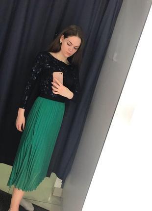 Зеленая юбка миди плиссе5 фото