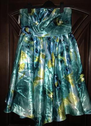 Красивое корсетное платье атлас стрейч