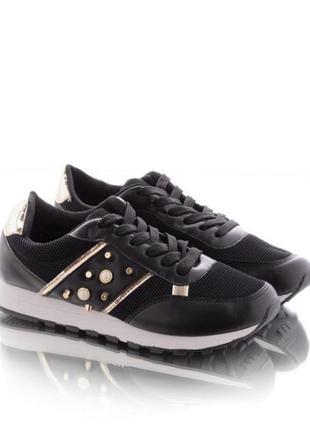 Черные кроссовки с золотыми вставками с бусинами